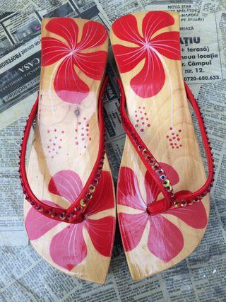 Sandalias Vietnam de Madera pintadas a mano