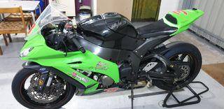 Vendo moto Kawasaki ZX10R año 2012.