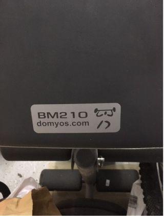 Banco DOMYOS BM210 para hacer pesas