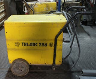 Maquina de soldar TRI-ARC 286
