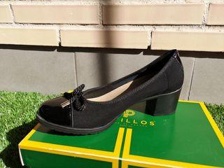 zapatos de mujer. Pitillos