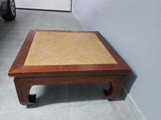 Mesa de centro de madera maciza estilo colonial