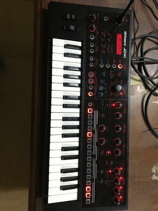 Organo - ROLAND JD-XI
