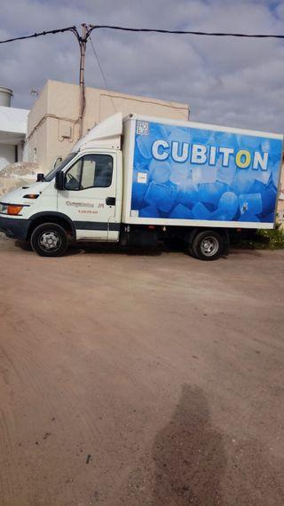 Vendo camión con frio marca Iveco 2003