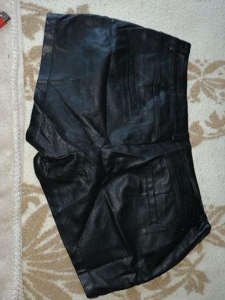 pantalon corto cuero
