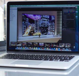 "Mac Book. Pro 15"" i7 SSD 256 + 1 iPhone 8 y 8 plus"