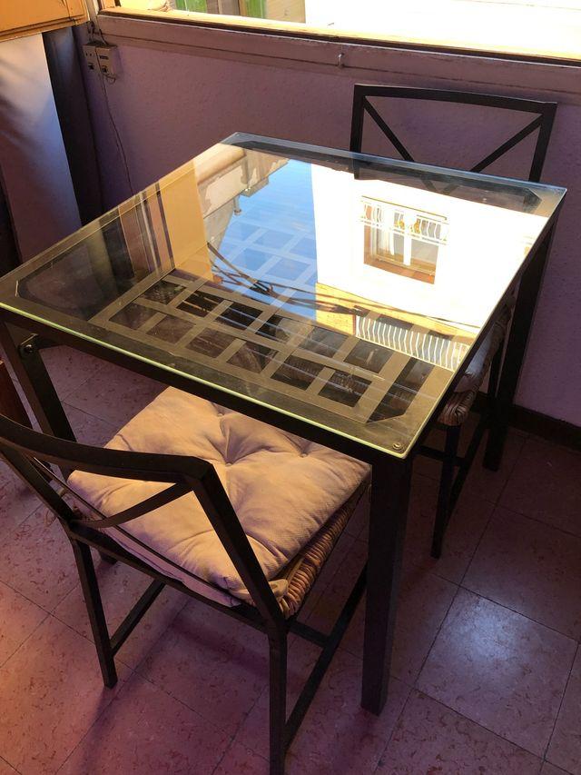Mesa cristal y hierro