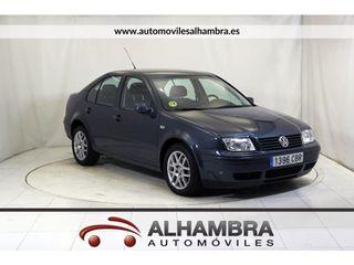 Volkswagen Bora 1.6 CONCEPTLINE 4P