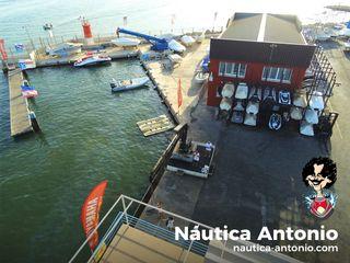 Marina seca para moto acuática
