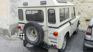 Land Rover Defender 1982