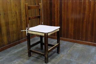 Mesa para 2 personas y 2 sillas
