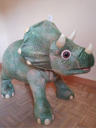 Robot triceratops Kota