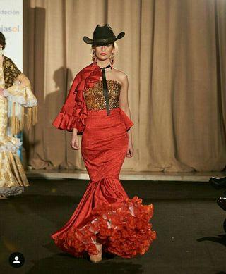56bcb4d328 Falda flamenca de segunda mano en Granada en WALLAPOP