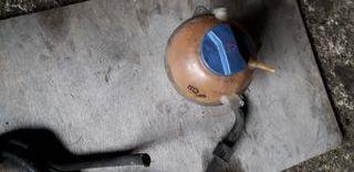 botella de agua de radiador de