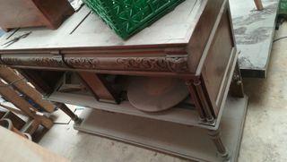 Mueble antiguo de 150 años con tapa de mármol