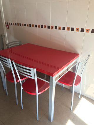 Conjunto Mesa Y Cuatro Sillas Cocina Roja