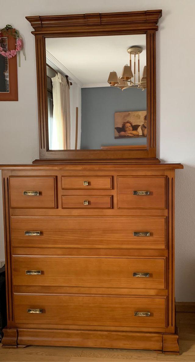 Comoda habitación en madera maziza+espejo