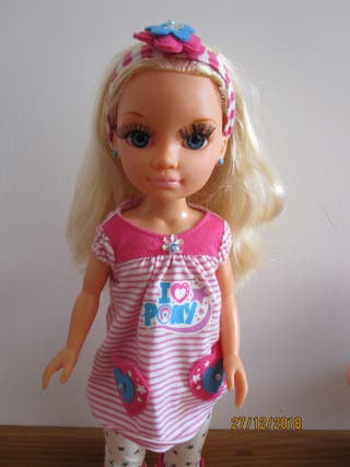 Muñeca Nancy con mascota