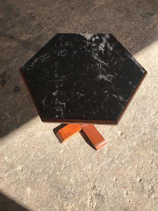 Dos Mesas de marmol