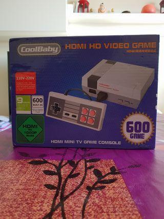 Consola con 600 juegos antiguos.