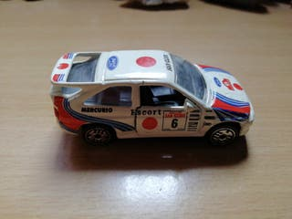Ford escorts WRC