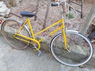 bicicleta antigua, clásica.