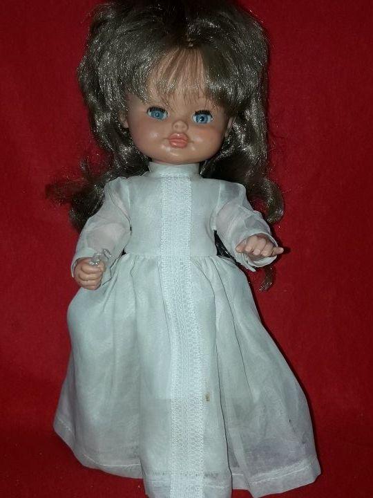 preciosa muñeca de florido años 60