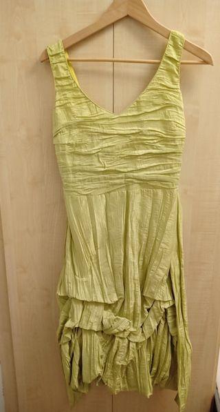vestido de fiesta corto.