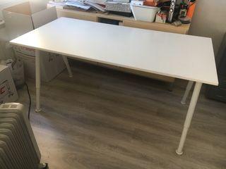 Mesa oficina despacho ordenador