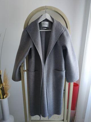 Abrigo de mujer marca Max Mara cachemir