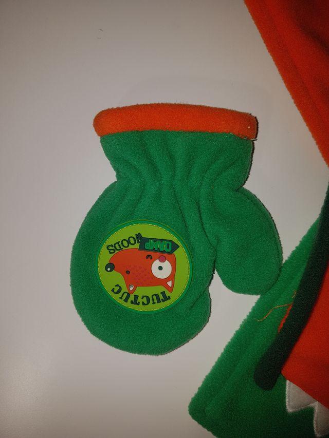 Conjunto bufanda, gorro y guantes TUC TUC