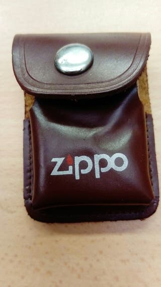 Funda mechero Zippo + mechero tipo Zippo