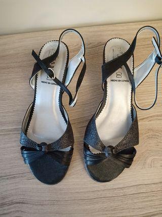 Sandalias de mujer.