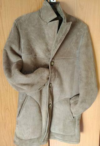 Abrigo de piel (ante).