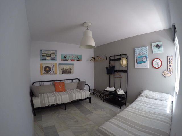 Casa jardín y piscina. Alquiler SOLO vacacional (El Paraíso, Málaga)
