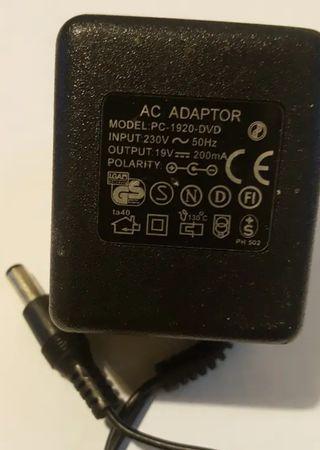 Transformador cargador 19v 200mA DC
