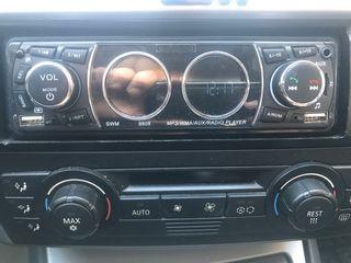 Radio usb manos libres prácticamente nueva