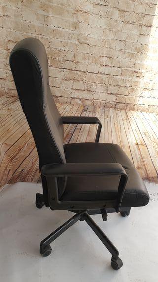 silla de oficina nueva