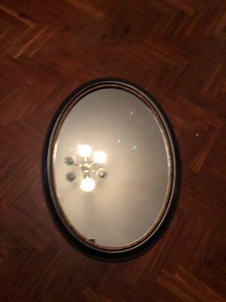 Espejo ovalado antiguio
