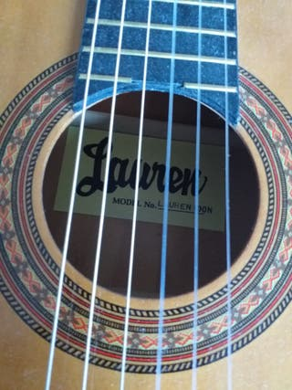 guitar Lauren 100N