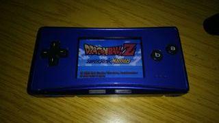 Game Boy Micro, color azul + Golden Sun cartucho.