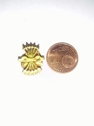 insignia falange de oro