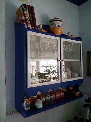 Mueble vitrina +esquinero + lampara