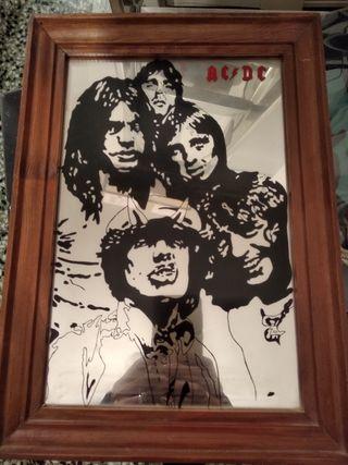 espejo con dibujo grabado de AC/DC