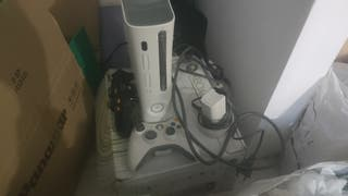 Xbox 360 con mandos juegos y grabadora