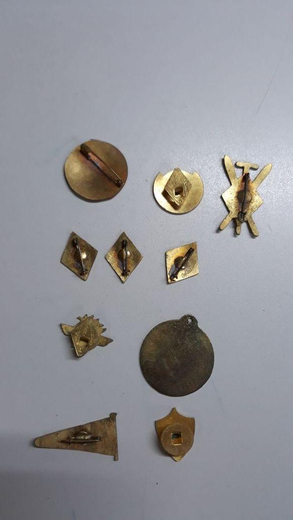 10 insignias antiguas militares