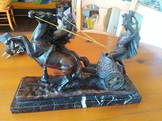Figura Romano en Carro con caballos