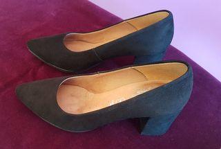 Zapatos de ante negro Mimao, número 36.