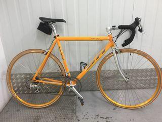 Bicicleta de carretera BH Oquina talla M