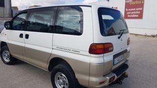 Mitsubishi Space Gear 2000
